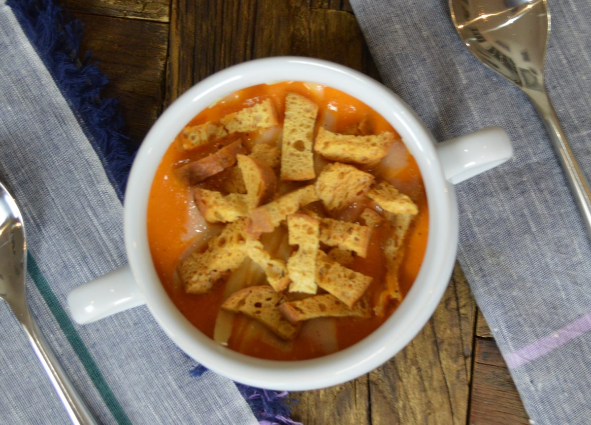 Creamy Tomato Soup with Garlic Croutons
